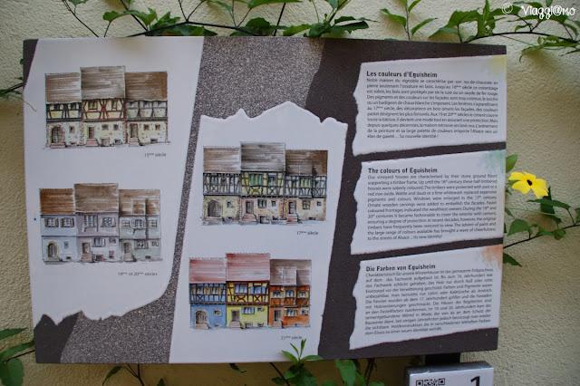 Pannelli sulla storia di Eguisheim, disposti lungo la città