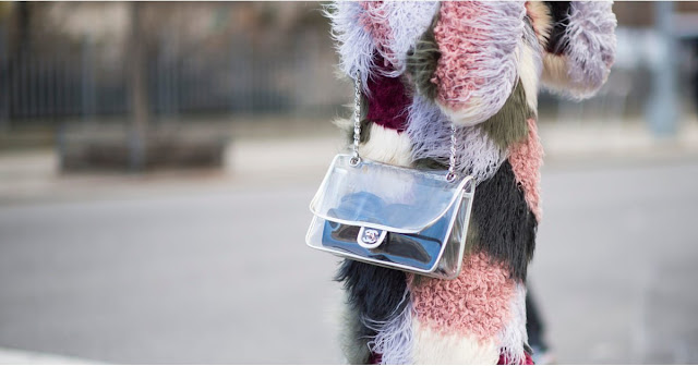 borse in pvc borse trasparenti come indossare le borse trasparenti idee outfit borse trasparenti come indossare le borse trasparenti in inverno see through bags how to wear see through bags in winter winter outfit mariafelicia magno fashion blogger color block by felym fashion blogger italiane