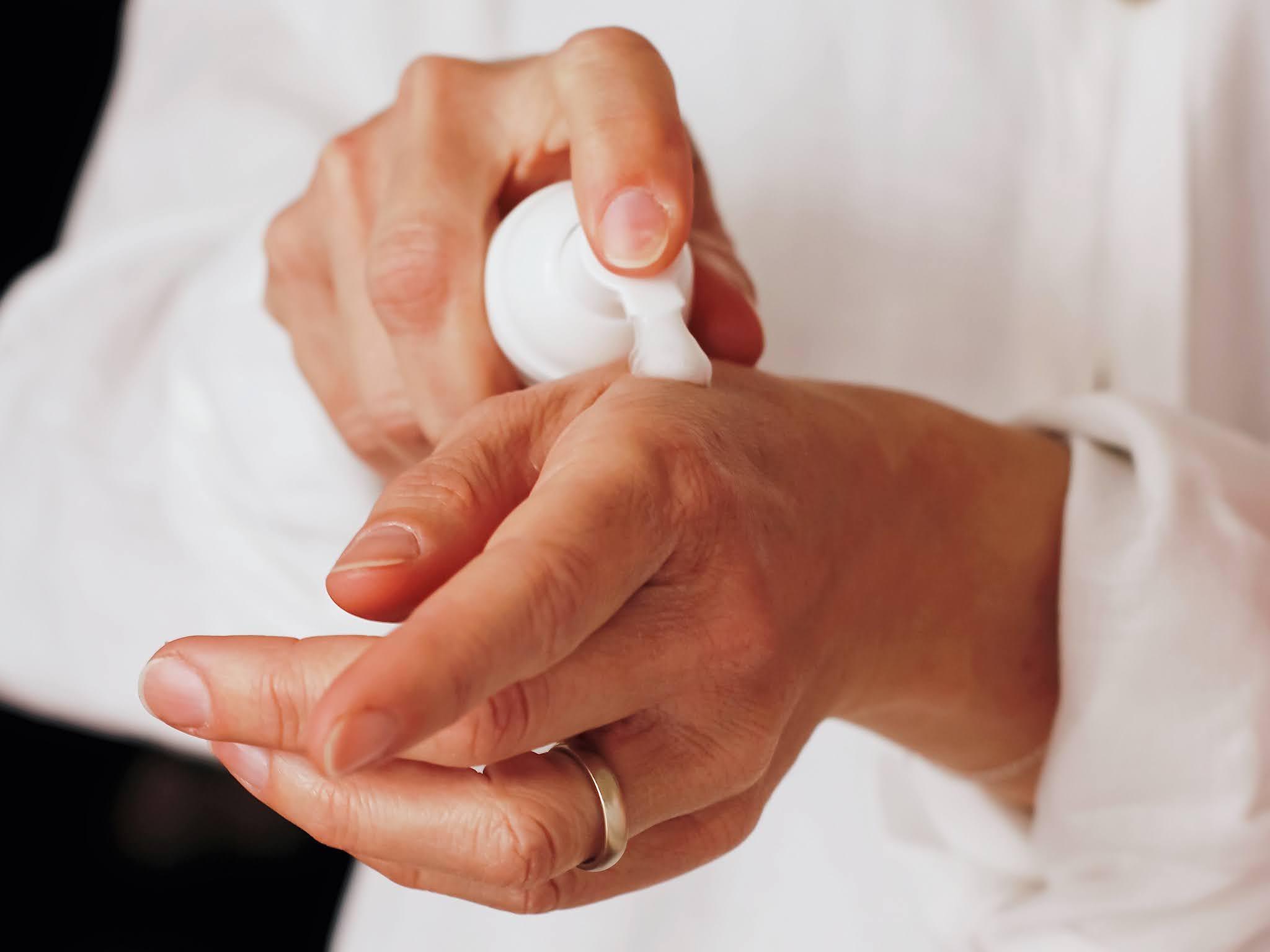 4 kroki do zadbanych dłoni w okresie jesienno-zimowym