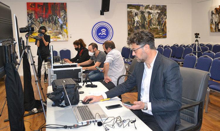 Córdoba, 30 egresados en el primer juramento virtual de profesionales del país