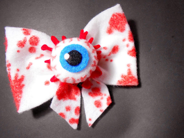 DIY Scary Halloween Accessories - Bloody Bow