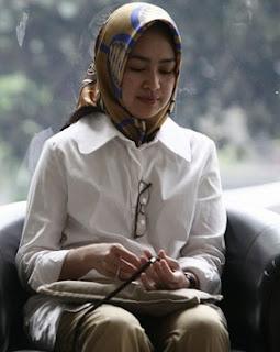 model jilbab Bupati Tanggerang selatan Airin