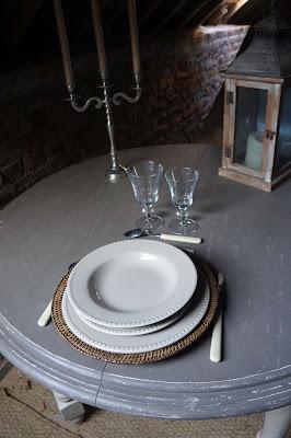 table-ronde-patinee-lin-rallonges-nord-urlu-et-berlu