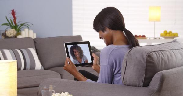 See 6 Tips For Keeping in Touch With Extended Family