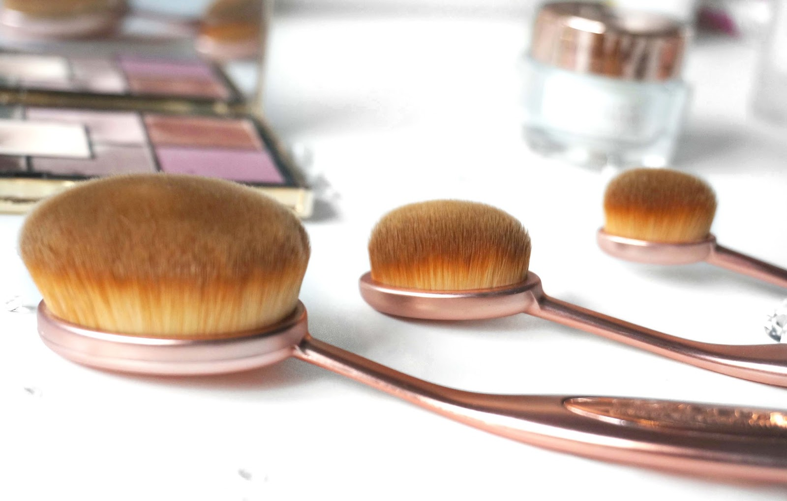 Contouring Oval Brush by precision #7