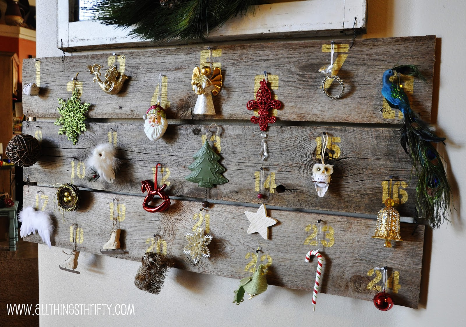 huge barn wood christmas advent calendar. Black Bedroom Furniture Sets. Home Design Ideas