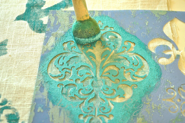 How to stenicl on linen
