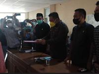 Warga Serahkan Petisi ke DPRD Bone, Minta Kepala Sekolah yang Pecat Guru Honorer Dicopot