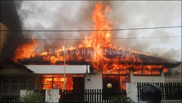 Mimpi Rumah Kebakaran