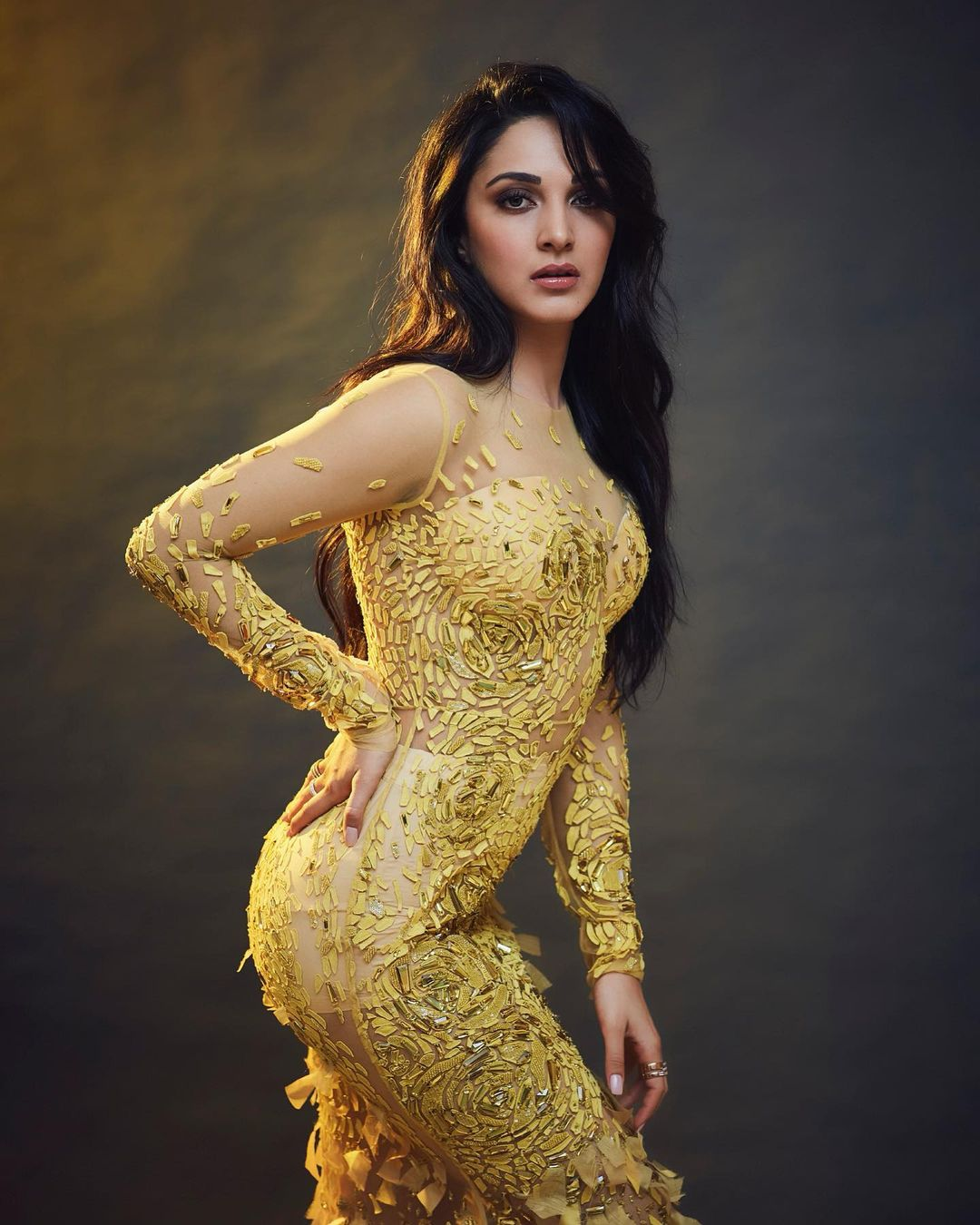 Kiara Advani sexy pose photo