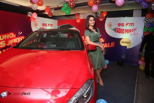 Raashi Khanna at Mirchi 95 Suno Mercedes Jeeto Contest Stills  0050