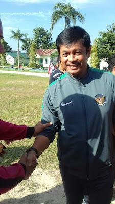 Smp Juara Pekanbaru ikuti Seminar Pelatihan & Coaching Clinic Kepelatihan Sepak Bola Anak bersama Pelatih Timnas U19 Coach Indra Sjafri