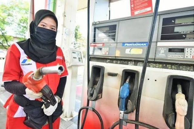 BBM Harusnya Turun Rp1.900/Liter, DPR Desak Pemerintah Turunkan Harga