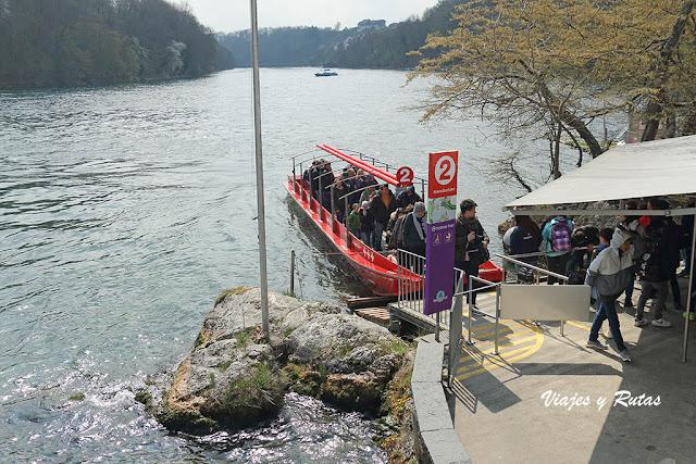 Embarcadero de las cataratas del Rin