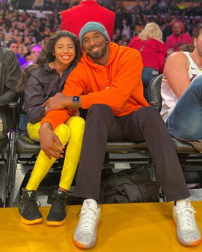 "People are looking back on pictures of Kobe and Gianna ""Gigi"" Bryant"