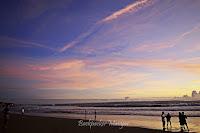 Suasana Pantai Batu Belig Bali
