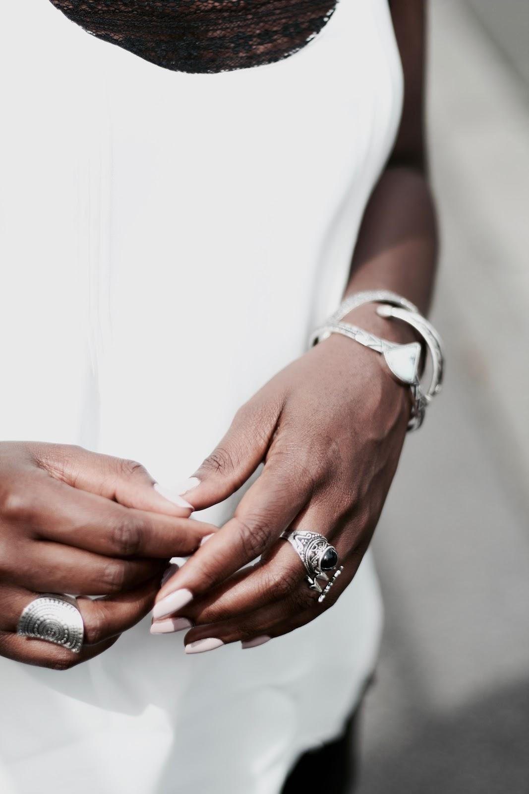 bijou-argent-top-blanc-dentelle-lingerie