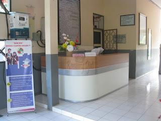 Meja Front Desk Kantor Pesanan - Furniture Kantor Semarang