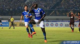 Ezechiel N'Douassel Pimpin Daftar Top Skor Sementara Liga 1  2018