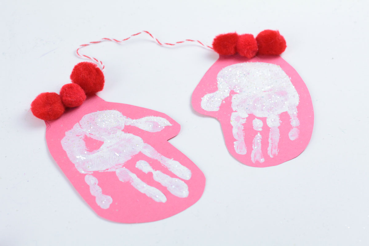 handprint mitten craft for kids