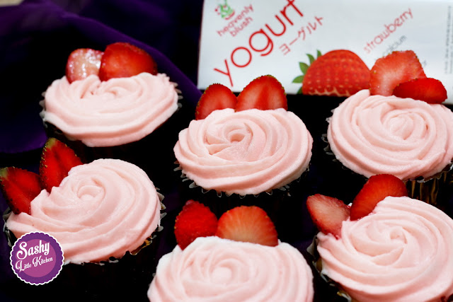 yoghurt strawberry