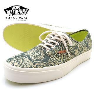 Apakah anda berminat  pastinya para Vanshead indonesia sudah tidak sabar  untuk memburu batik footwear ini 12834676af