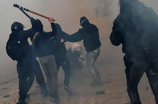 Χέρι-χέρι φασίστες και πολιτοφύλακες ΣΥΡΙΖΑ