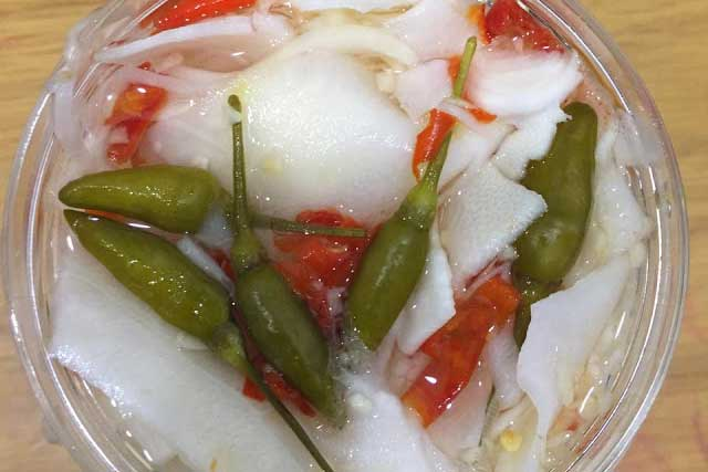 măng muối ăn chung với mỳ tôm - Đặc sản vùng