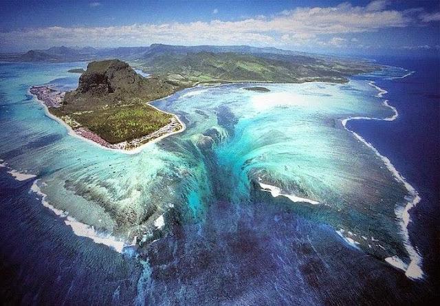 cascada-mar