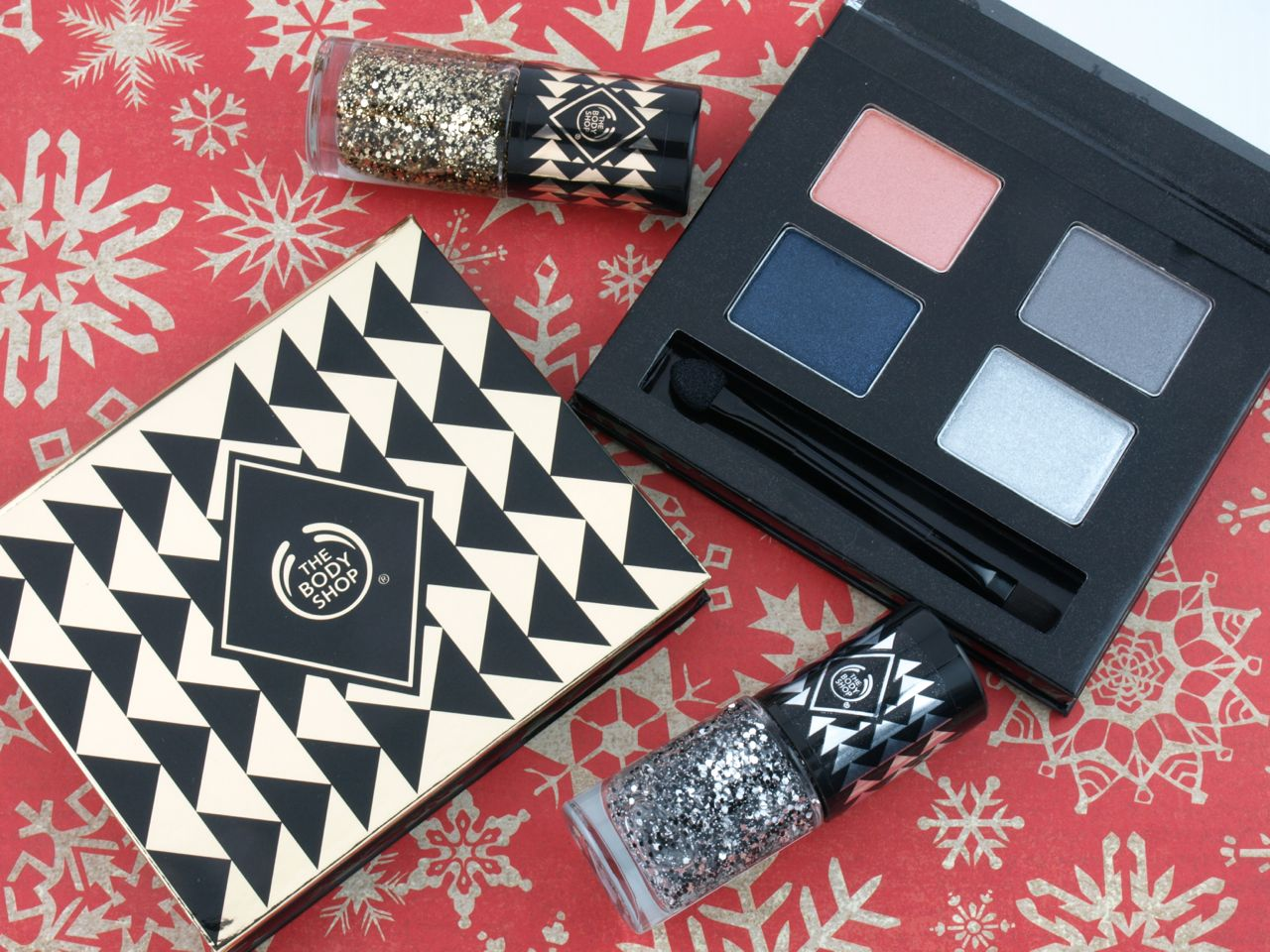 The Body Shop Holiday 2015 Winter Eyeshadow Palettes Nail Polishes Review And Swatches The Happy Sloths Beauty Makeup And Skincare Blog With Reviews And Swatches