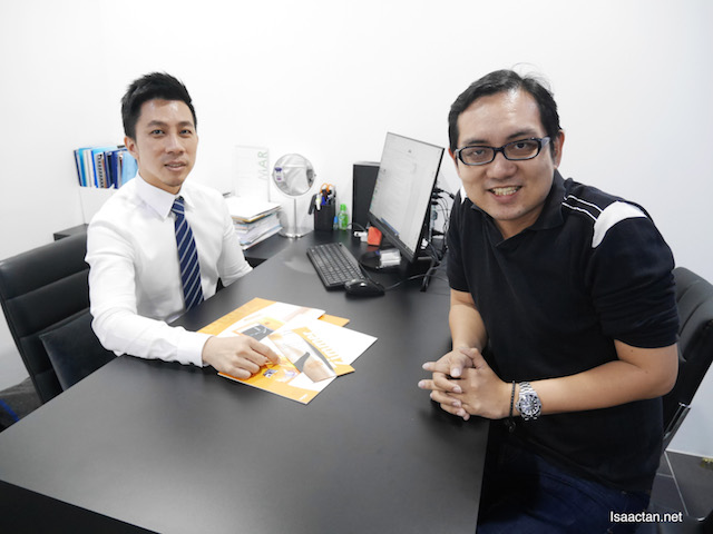 With Dr Ean Chan, consultation before undergoing my Z Lipo & Z WavePro treatment
