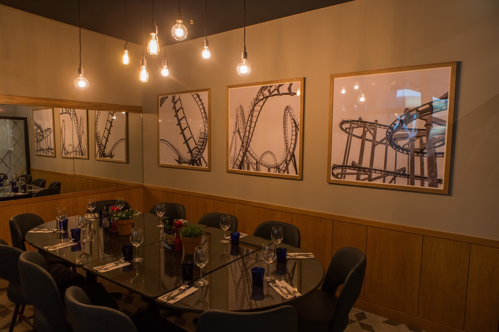 Remembering Metroland with Family Dining and the Kid's Menu at Pizza Express intu Metrocentre - refurbished interior