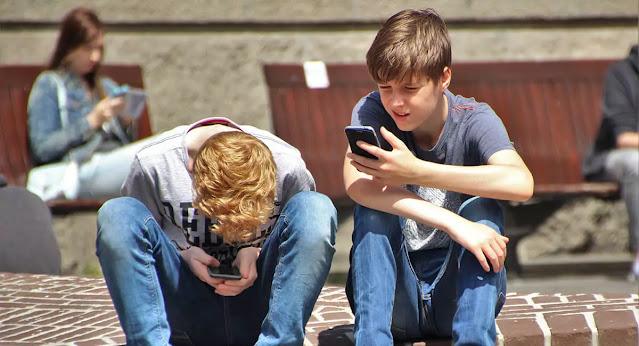 10 تطبيقات ومواقع لمعرفة من هو رقم الهاتف