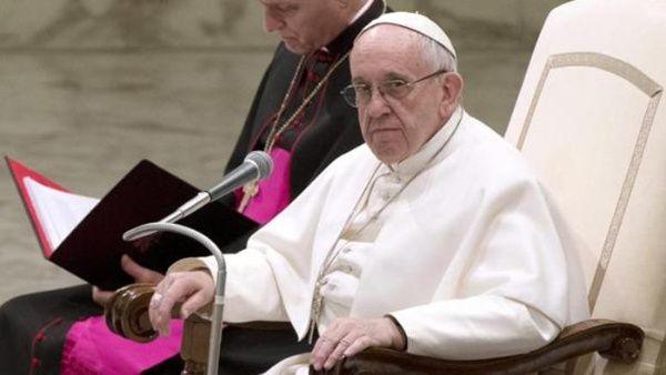 Papa Francisco: Las mujeres son más valientes que los hombres