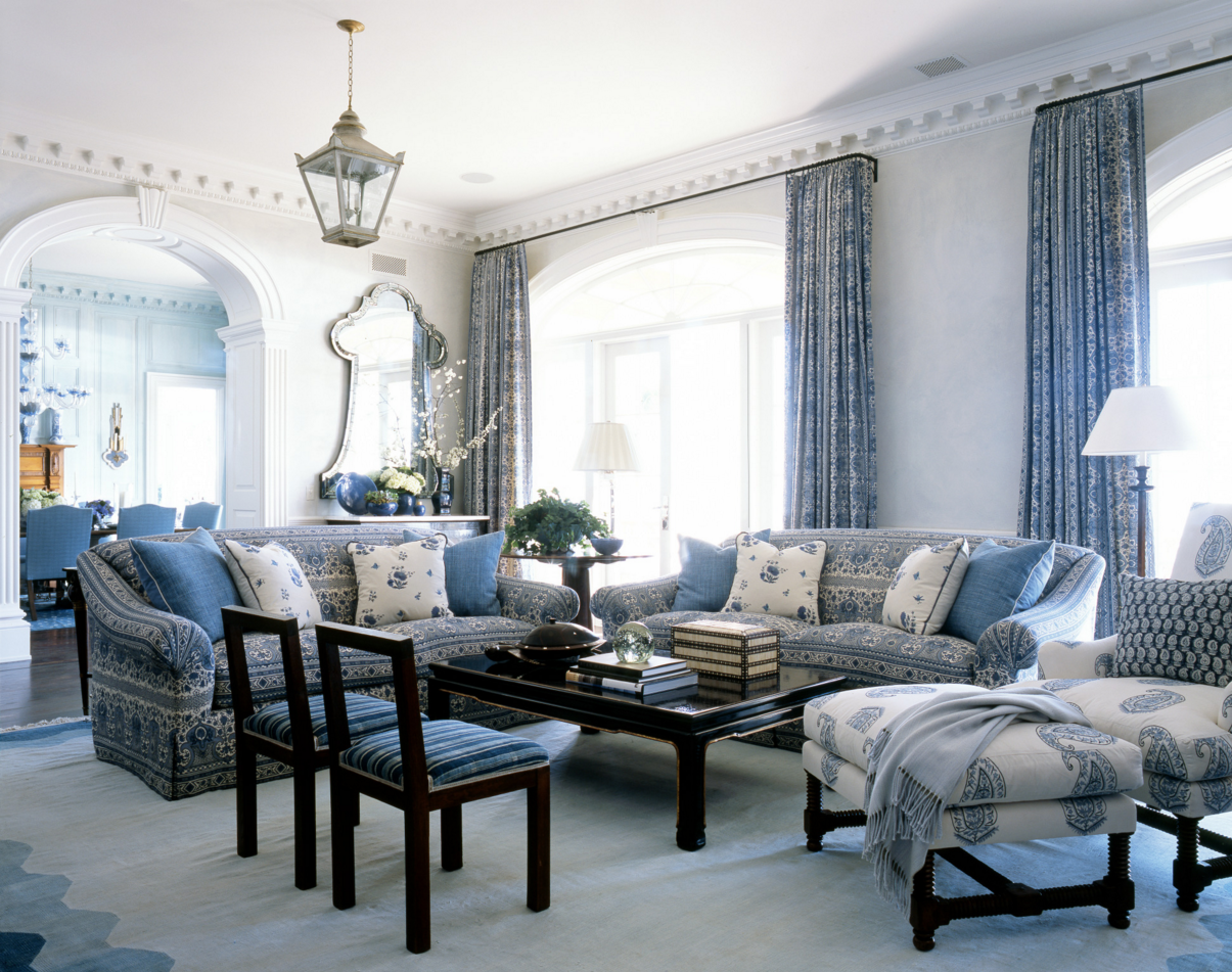 A Blue and White Beach House by Phoebe and Jim Howard - The Glam Pad
