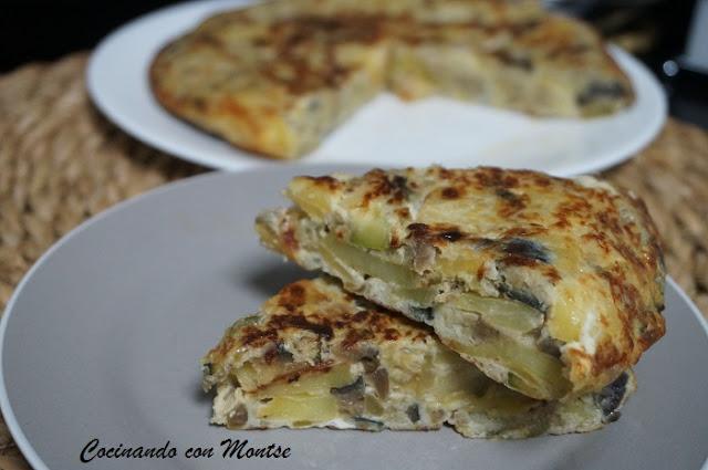 Tortilla de berenjena y calabacín con patatas
