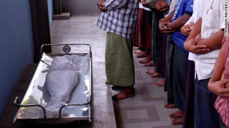 Militer Myanmar Memburu Keluarga Bocah Muslim yang Tewas Ditembak Personilnya