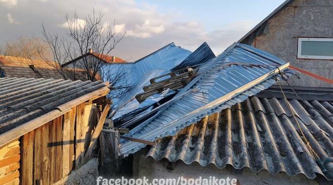 Felkapott a szél egy mobilgarázst Bodajkon