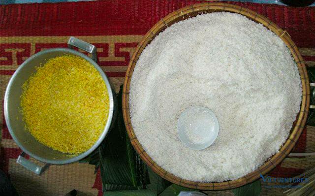Nguyên liệu: gạo nếp và đậu xanh