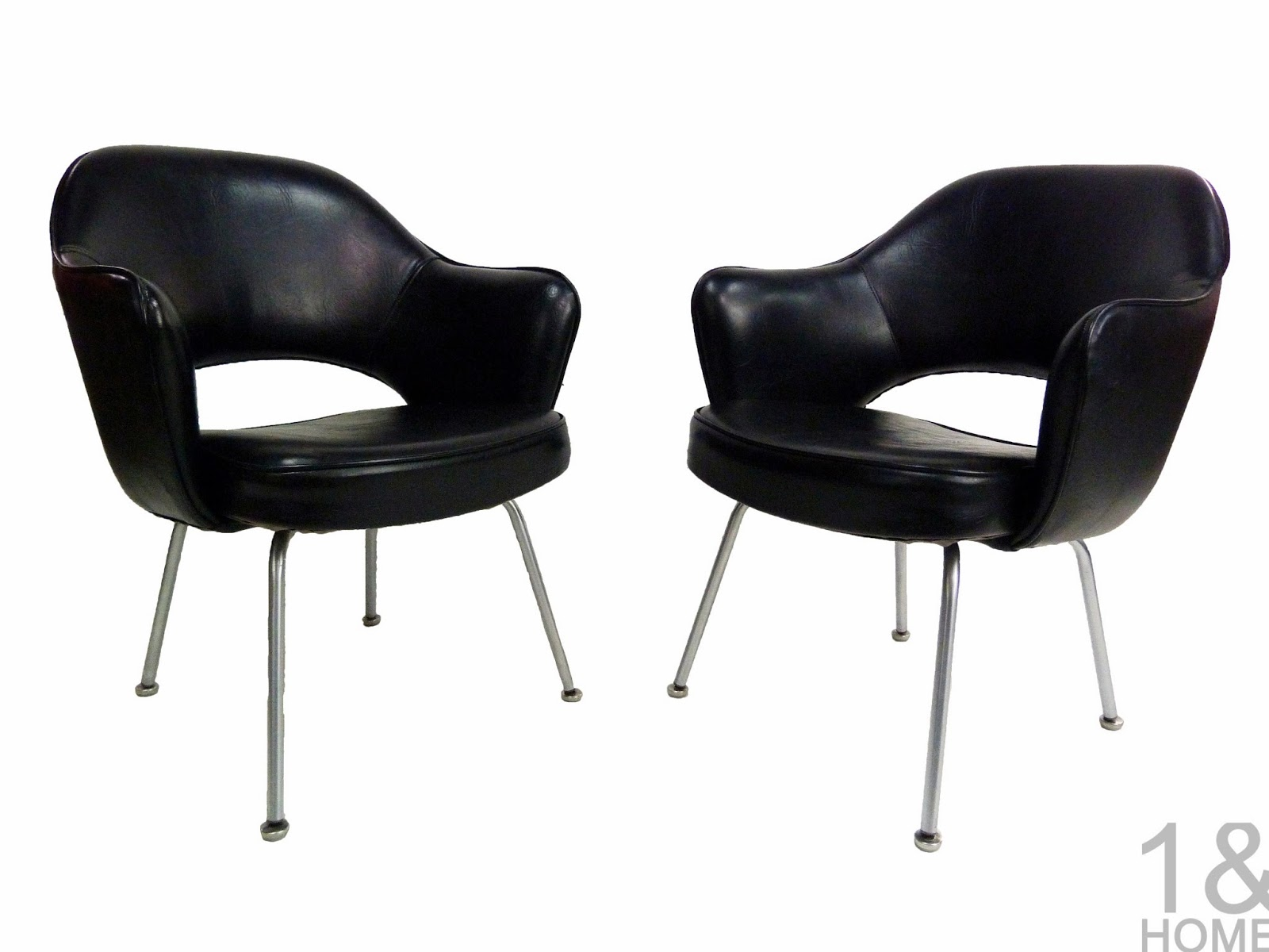 Pair Mi-Century Modern Vintage Eero Saarinen for Knoll Black Executive Armchair
