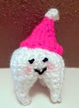 http://lindsey11097.blogspot.com.es/2011/11/tooth-amigurumi-free-pattern.html