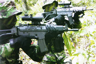 Pasukan Raider dengan SS-1 R5