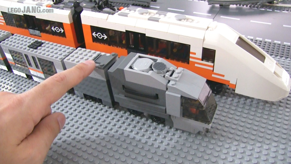 LEGO 4-stud train MOC rev  1 1 update & 6-stud size comparison