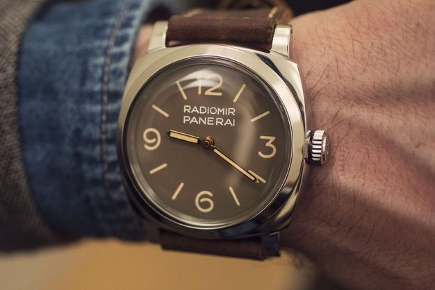 efafa5c0fc267 La montre de réserve de marche Panerai Radiomir 1940 PAM00662 sera  re-gravée du célèbre Egiziano Piccolo, production limitée à 1 000  exemplaires, ...