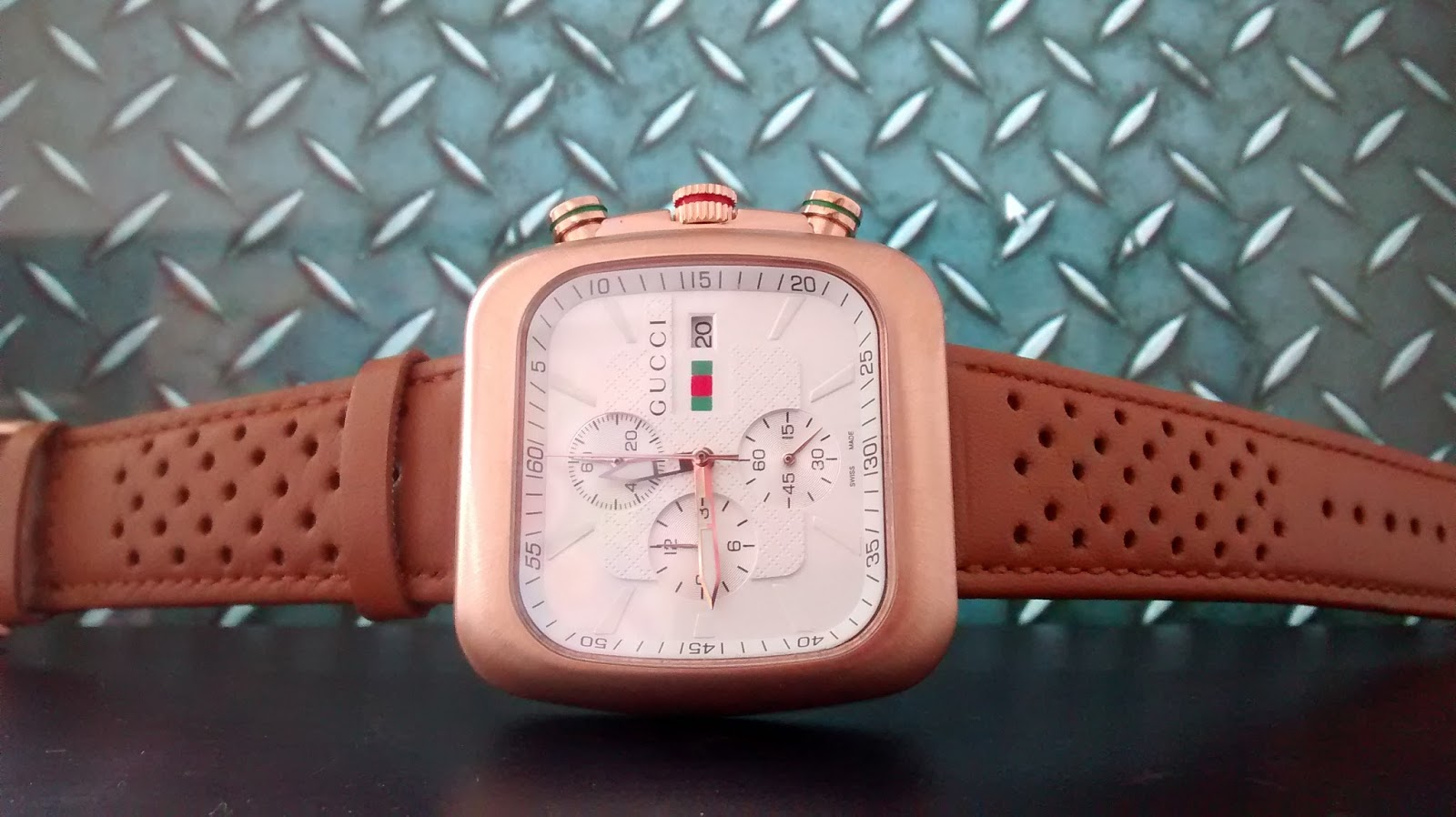 b93019376 GUCCI awesome Leather Belt Watch Decent Look for Men Rs3999 | 70 ...