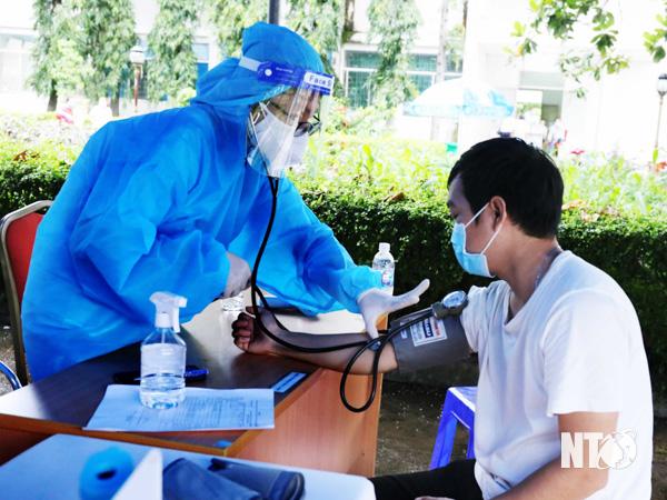 Ninh Sơn: Đã có 14.377 người được tiêm vắc-xin phòng dịch Covid-19