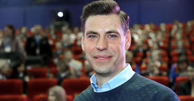 Дмитрий Дюжев выложил нежное фото с женой и приятно удивил поклонников