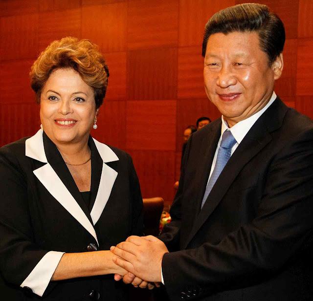 Xi JinPing: a China está disposta a jogar com quem aceitar entrar na manobra.