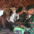 Demam Tinggi, Kepala Suku Kanum di Obati Tim Kesehatan Satgas Yonif 411 Kostrad