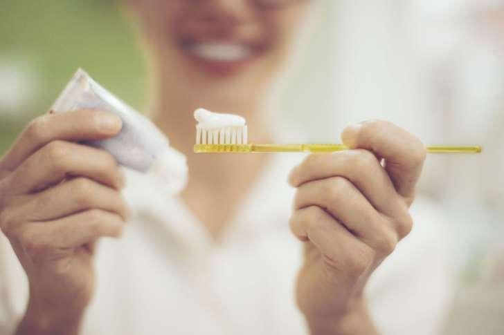 Quando é que devemos lavar a boca, antes ou depois das refeições? Confira as dicas do especialista.